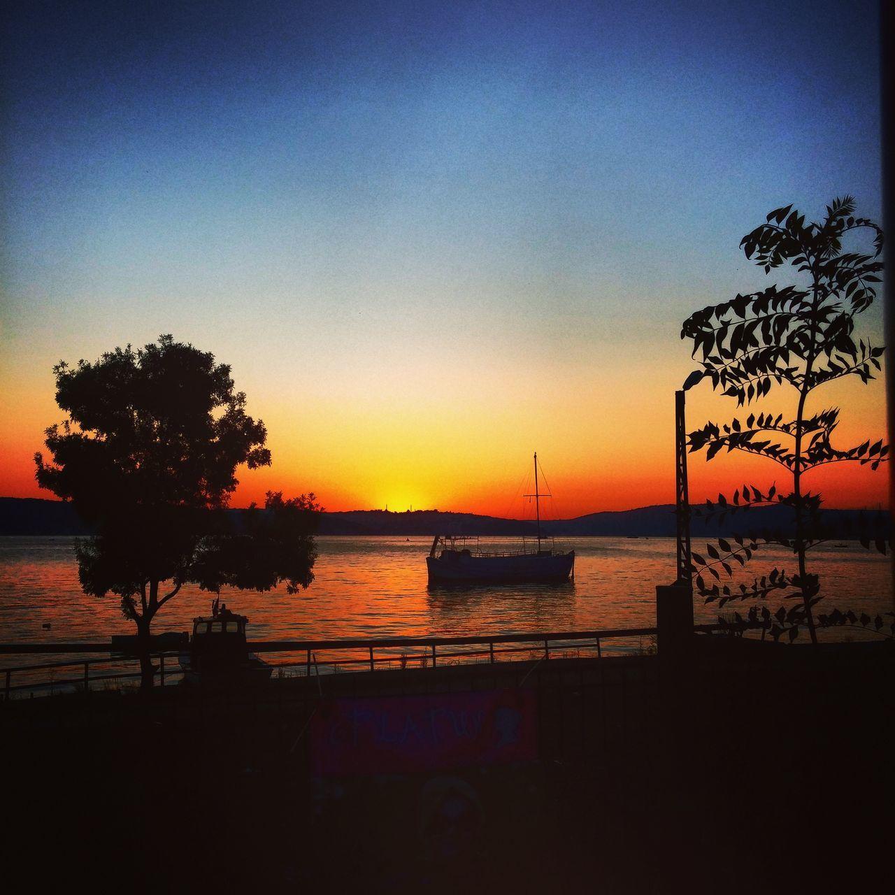Sunset #sun #clouds #skylovers #sky #nature #beautifulinnature #naturalbeauty #photography #landscape Sunset✨trees✨