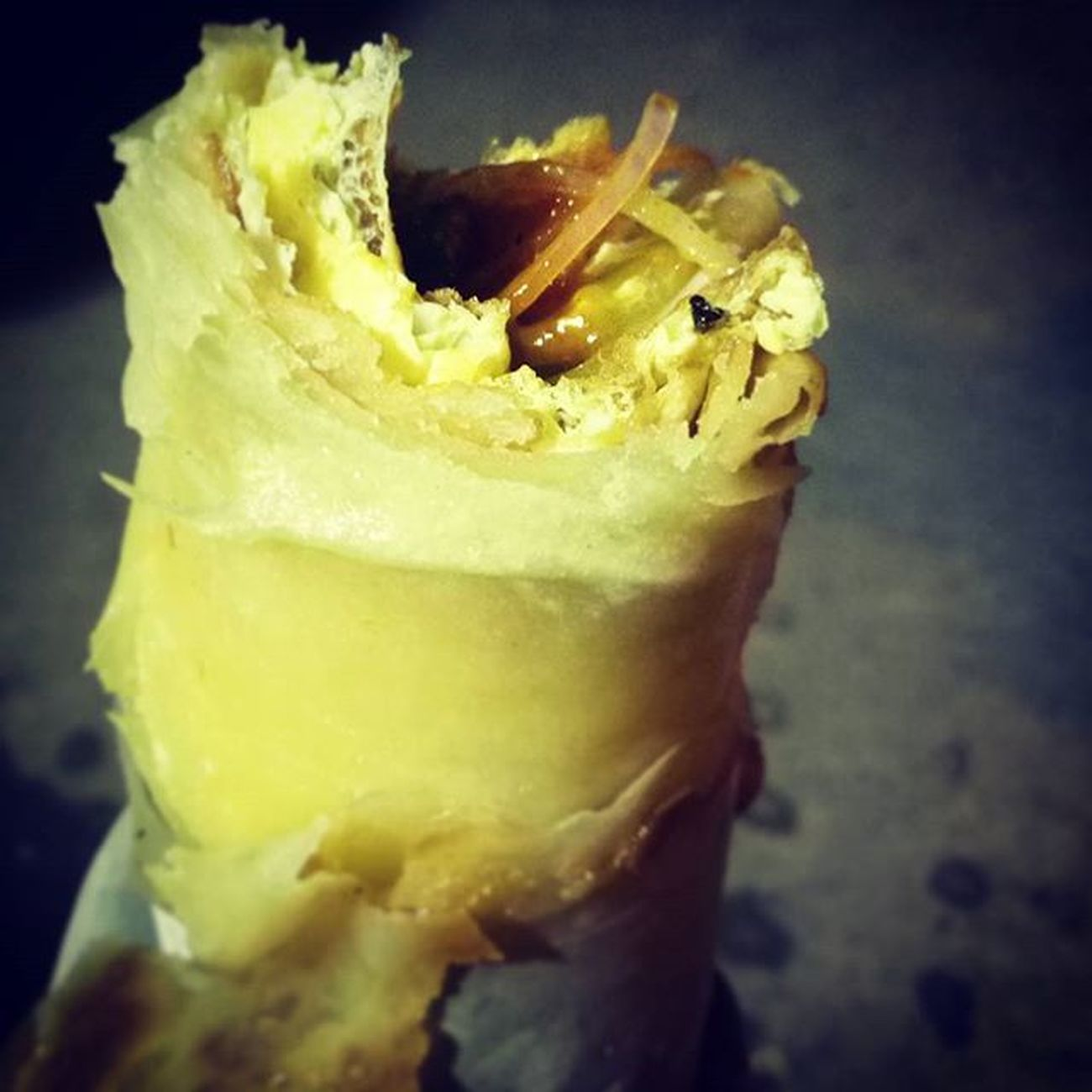Oooo itz hawttt 😁😁😁 My today's cheat food... Yummy Double Egg roll 😝😜😘😘😘 Food JUNKFOOD Cheatmeal Fit Fitness Sexybodymissions Dude Egg Rolls Streetfood Yummy Feelsogood Fry Chapati Omlette Craziness Beards Trancefamily Tranceartist Trance Music Myworld Indiantrance AlwaysTrance TheMelodicMaestro 😏💙🎵