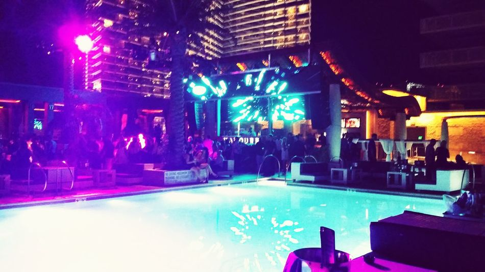 Party Time! Marqueelv TheCosmopolitan Electronic Music Shots
