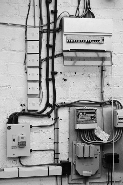 Deceptively Simple Wires Electricity