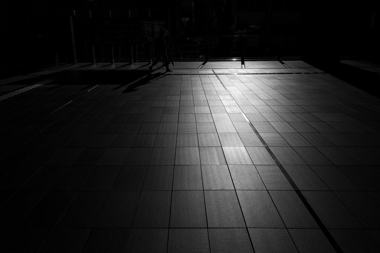 Sunlight grid Light And Shadow Streetphotography Streetphoto_bw Blackandwhite
