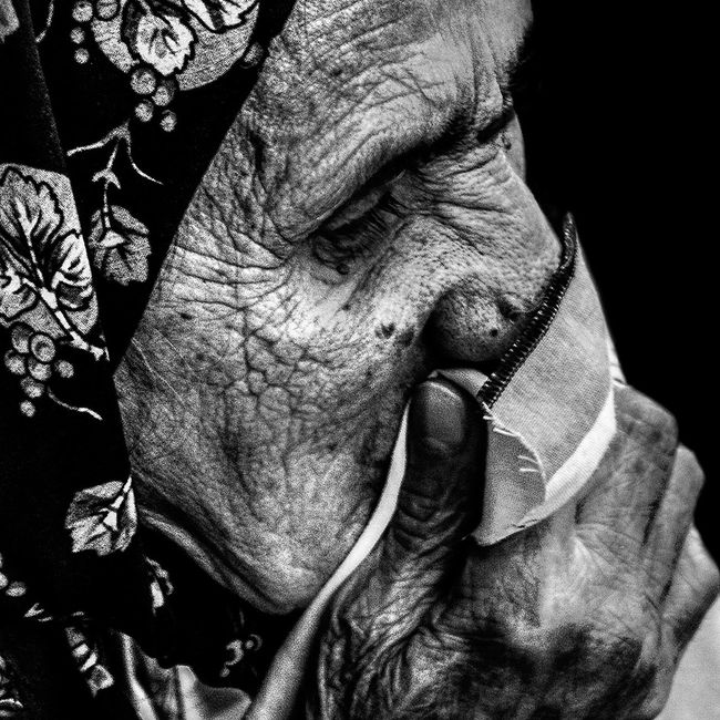 Anonymous portrait... B&W Portrait Bw_collection EyeEm Best Shots - Black + White The Human Condition EyeEm Best Shots Bw_portraits RePicture Ageing Streetphoto_bw Street Portrait EyeEmbnw Blackandwhite Streetphotography Portrait