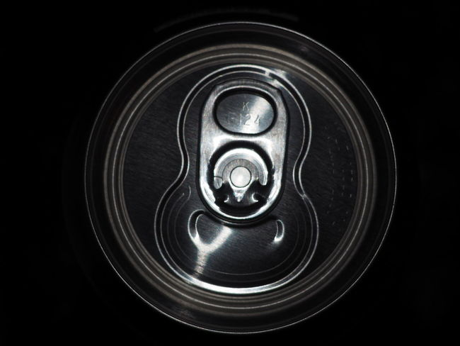 Aluminum Can Can Circle Close-up Directly Above Shiny Single Object TAB