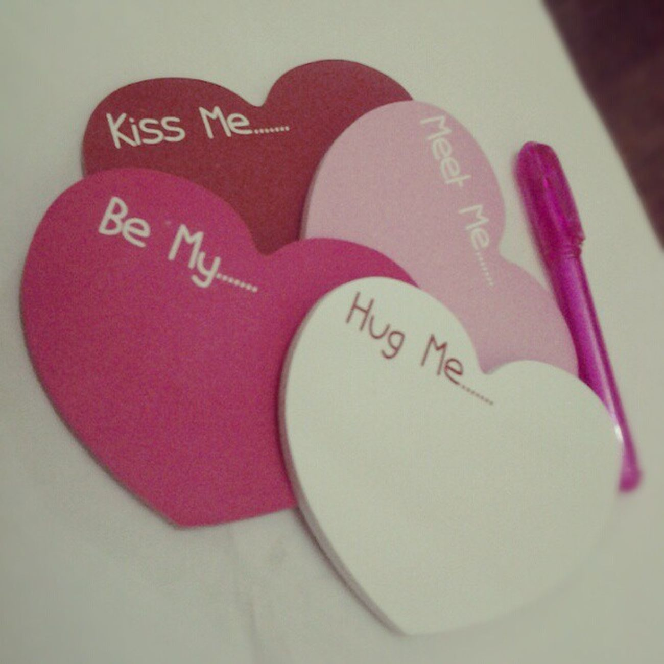 My new ♡ notepads... lovin the colors Babypink Hotpink Red Heart hugs kisses love