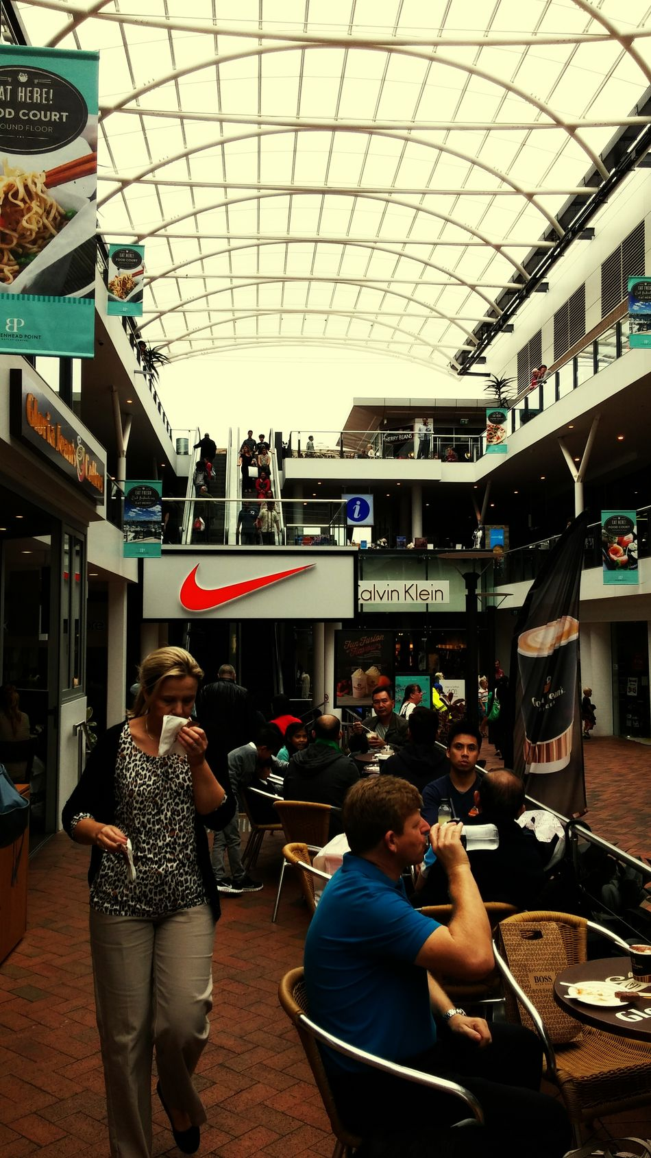 Its Crowded In Here!! Rainy Day Shopping Out Of Money