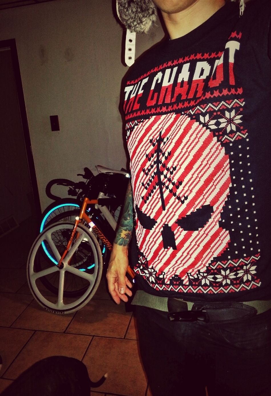 The Chariot released a Christmas sweater. You know I was all over that. Probably the best thing ever. Ink Tattoo Christmas Fixed Gear Fixie Aerospoke Christmas Sweater Fiks Fiks Reflective The Chariot