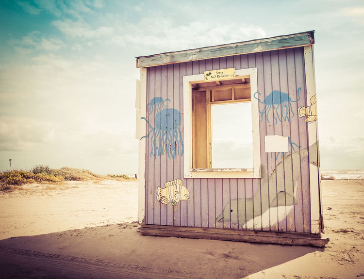Beach booth in Freeport Texs Architecture Beach Beach Day Beach Life Beach Photography Beach Walk Beaches Beachphotography Fish Jelly Fish Jellyfish Jellyfish Gallery No People Painting Pastel Colors Postcard Postcards Romantic Romantic Getaway Romantic Place Sunlight Toll Booth Wooden House Wooden Hut