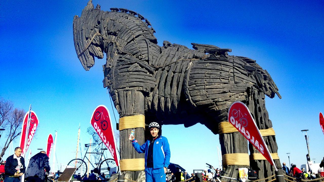 Canakkake Canakkale Gecilmez ! Truva Truvahorse Truvaatı Truva Atı Truvaati Bisikletturu Biketour Man