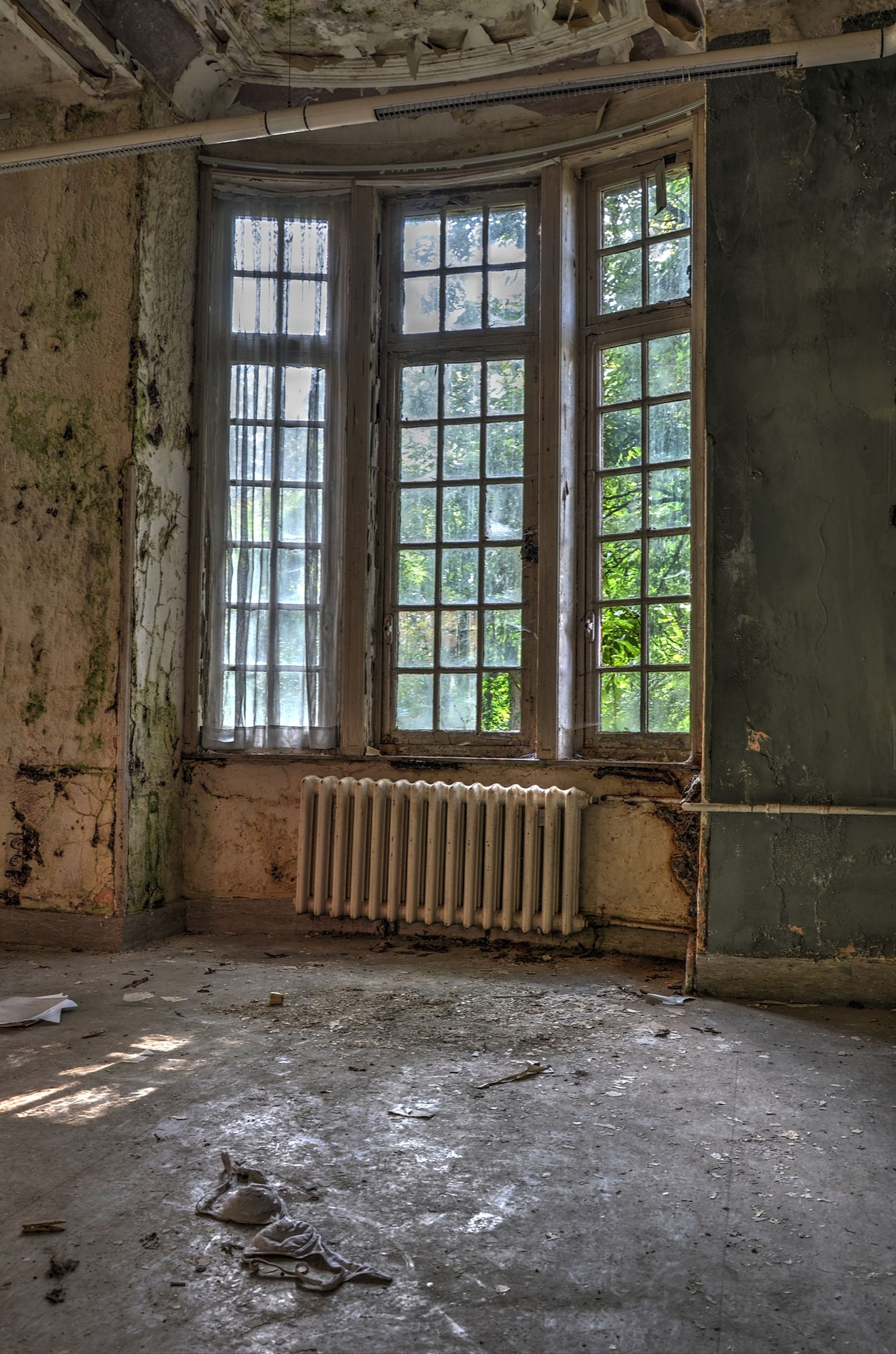 abandoned, indoors, obsolete, window, architecture, damaged, built structure, deterioration, run-down, old, house, bad condition, door, interior, weathered, broken, messy, closed, ruined, absence