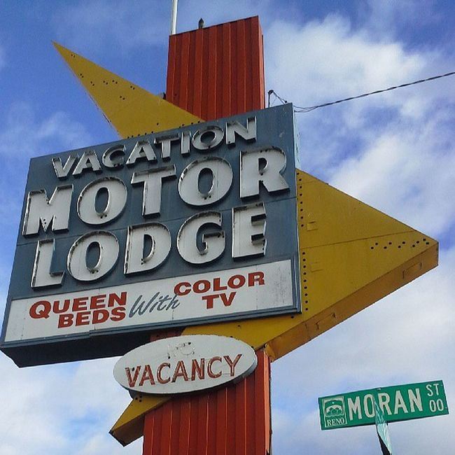 Vacation Neon Sign Nofilter Reno Lodge Neonsigns Signswitharrows Vintagesigns Signstalkers Savethesigns Vintageneon