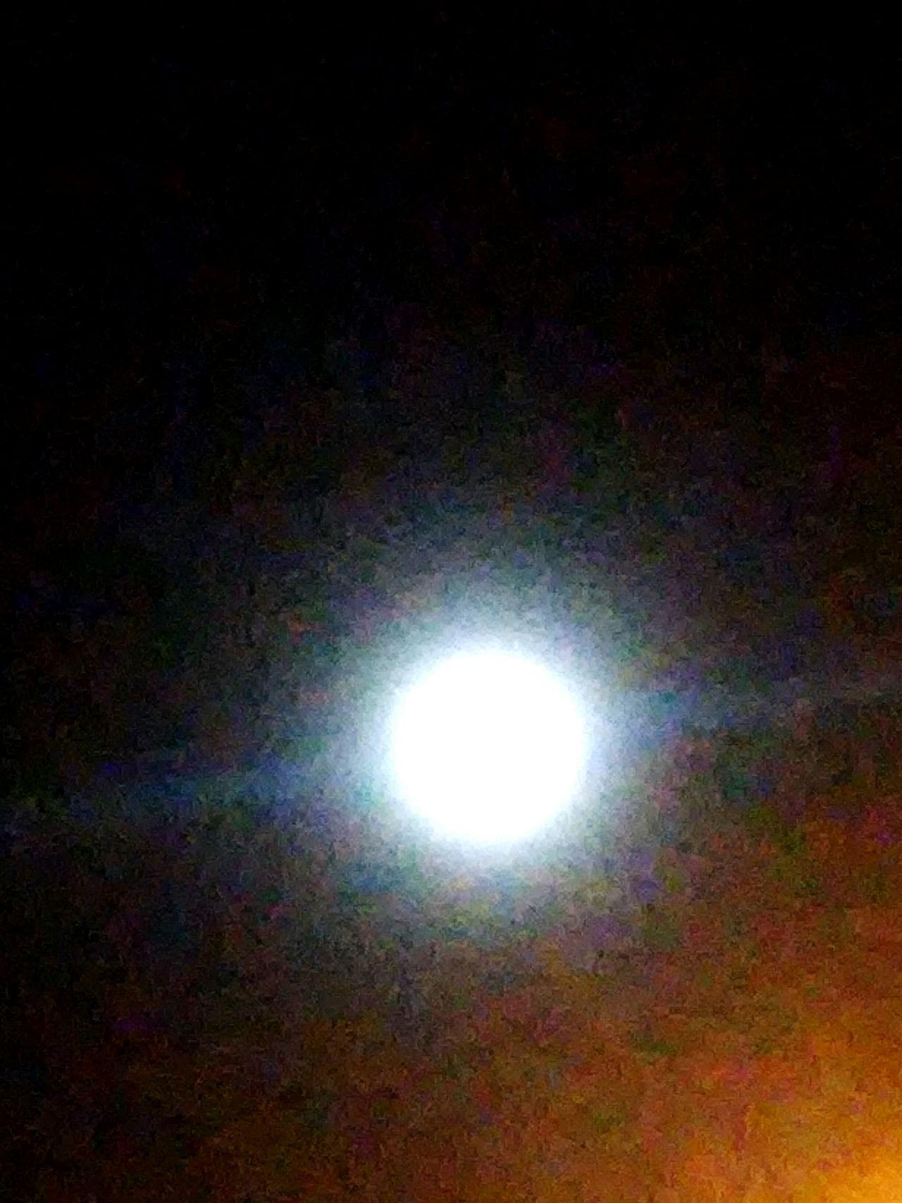 Moon. Luna.