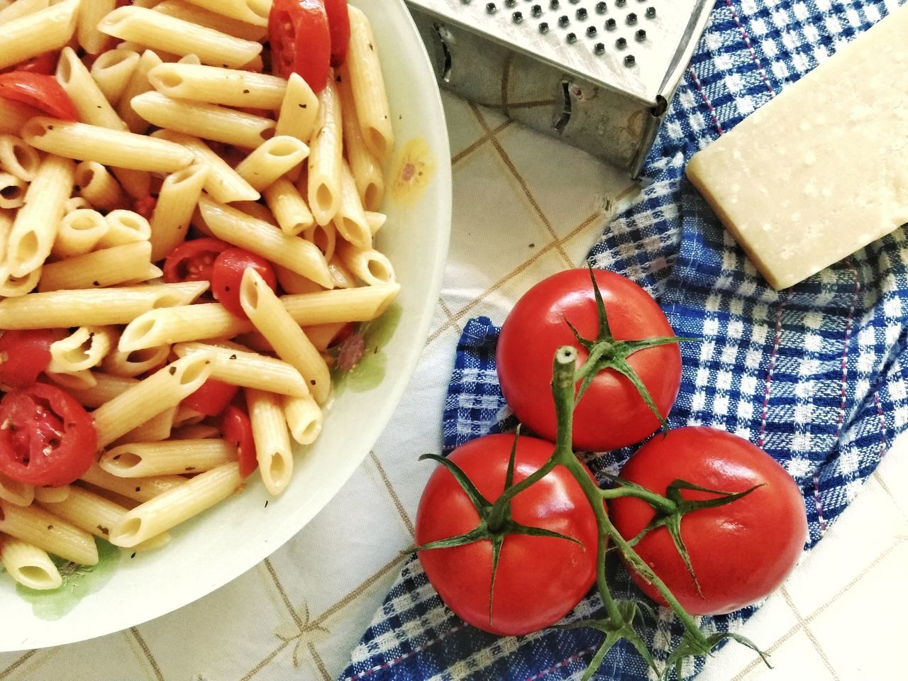 Food And Drink Food Indoors  Tomato Freshness Healthy Eating High Angle View Table Red Vegetable No People Italian Food Ready-to-eat Day Close-up Bowl Mediterranean Lifestyle Mediterranean Food Diet Comfort Food Homemade Pasta Red Plate Food And Drink