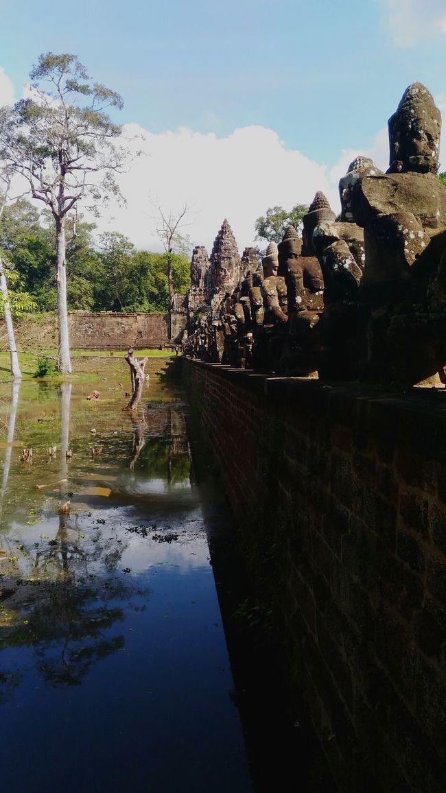Angkor Thom Cambodia Travel