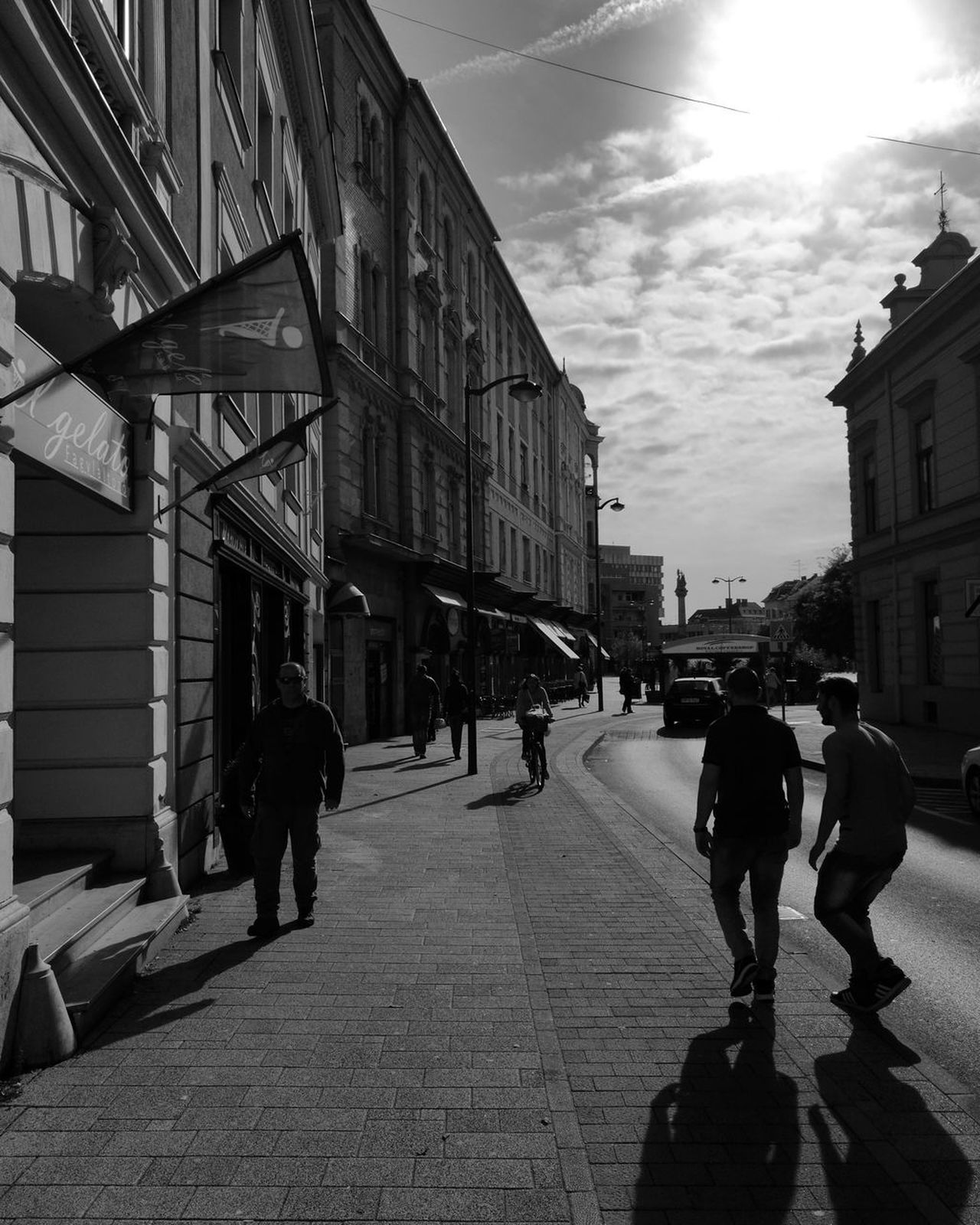 Blackandwhite Huawei P9 Leica City People Sky Streetphotography Szombathely No Edit/no Filter