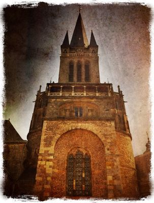 Aachener Dom in Aachen by Fred Monster