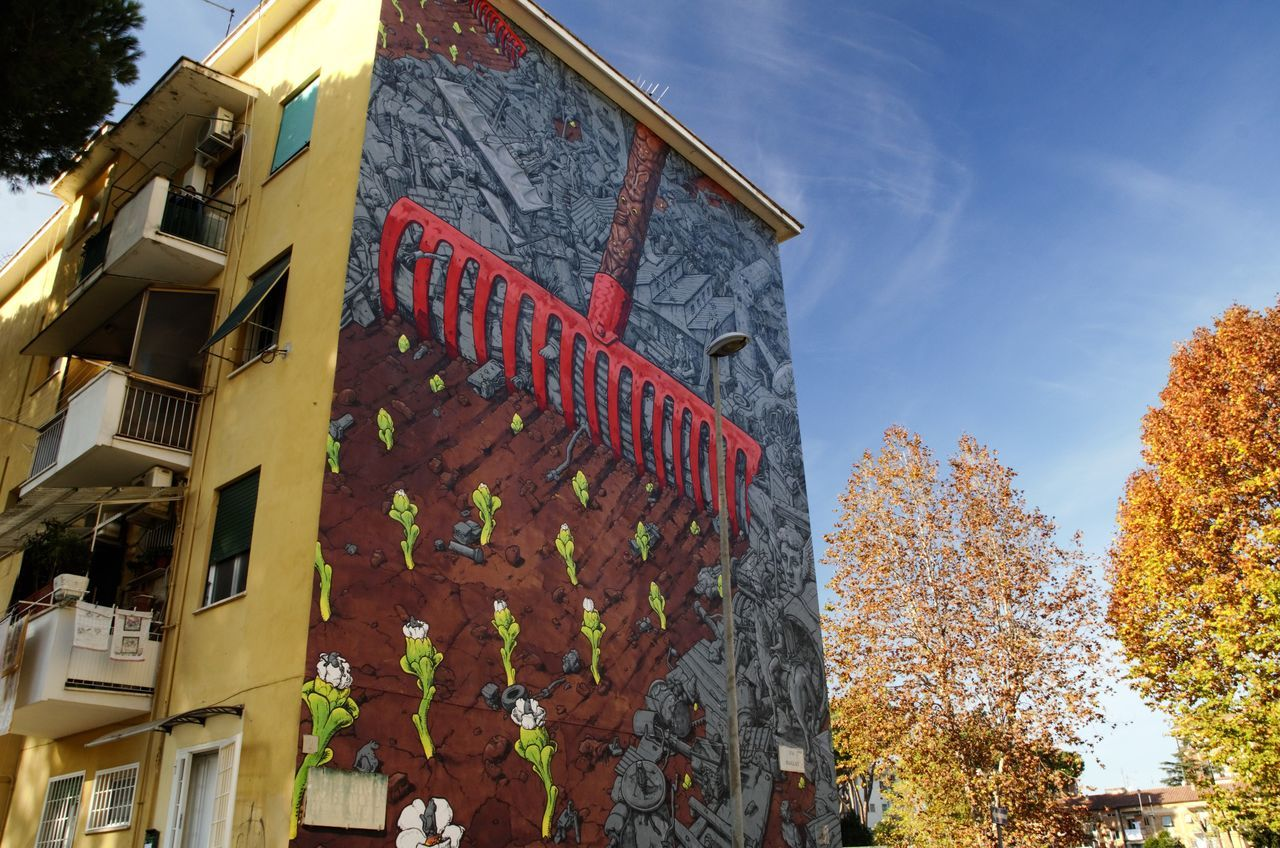 Architecture Built Structure Graffiti Wall Nikonphotography Popular Art Residential Building Roma Italia Streetphotography