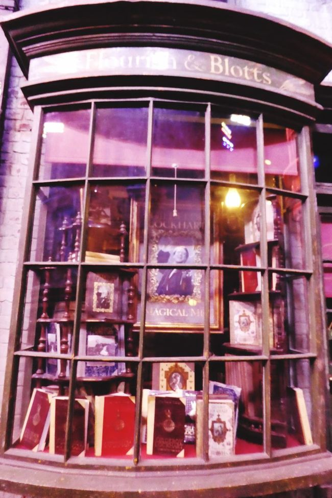Window Glass - Material Reflection Close-up Glass Retail Display Retail  Façade Diagon Alley Harry Potter Book Store