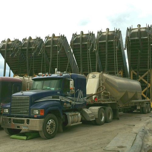 Men At Work  Titans Of Industry Fracking Well Head Universal Fracking Industry Sand Haulers Man Vs Nature