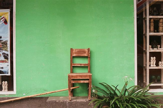35mm Analogue Photography Bali Bali, Indonesia Contemporary Photography Filmisnotdead Green Wall Lonely Chair New Topographics Newtopographics Speakers Still Life TakeoverContrast 35mm Film