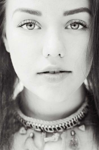 Person Face Landi Glamour Eyes