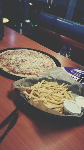 Chucky Cheeses  شكي تشيز بيتزا Food