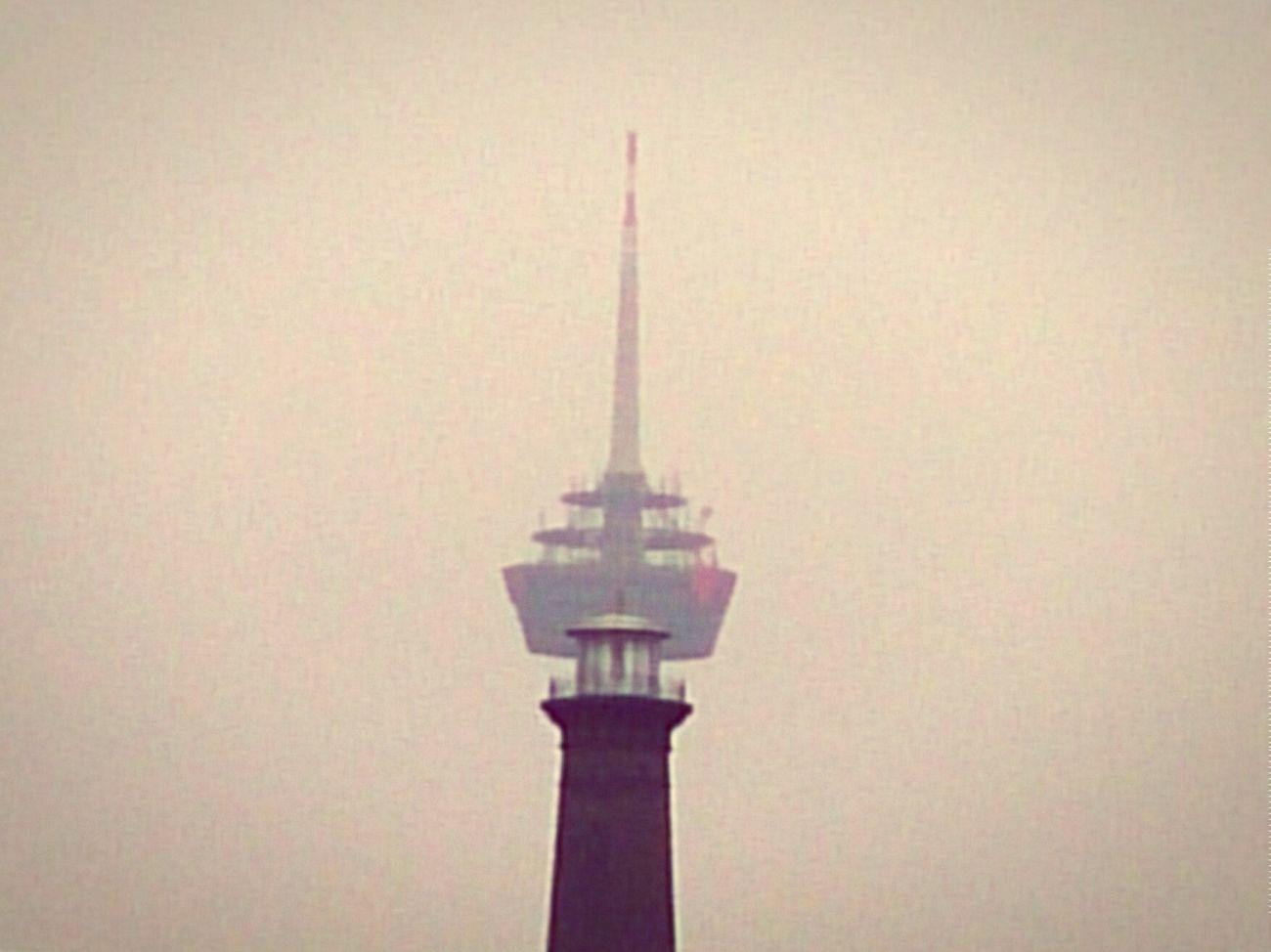 Beauty and the Beast. Fernsehturm. Ehrenfeld Ehrenfelder Leuchturm