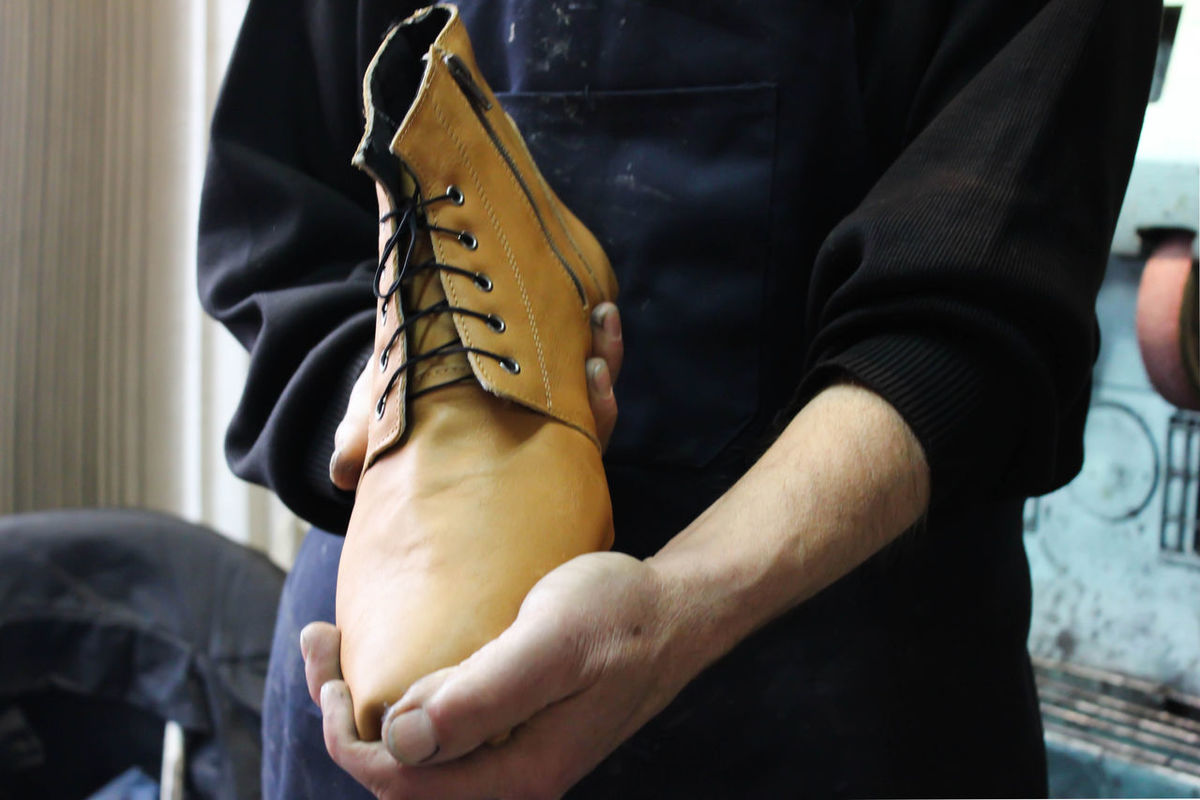 Shoemaker makes shoes Craft Product Creativity Day Handmade Handmade Shoes Indoors  Leather Leather Shoes Manual Worker One Person Real People Repair Restoring Shoe Shoemaker Shoes ♥