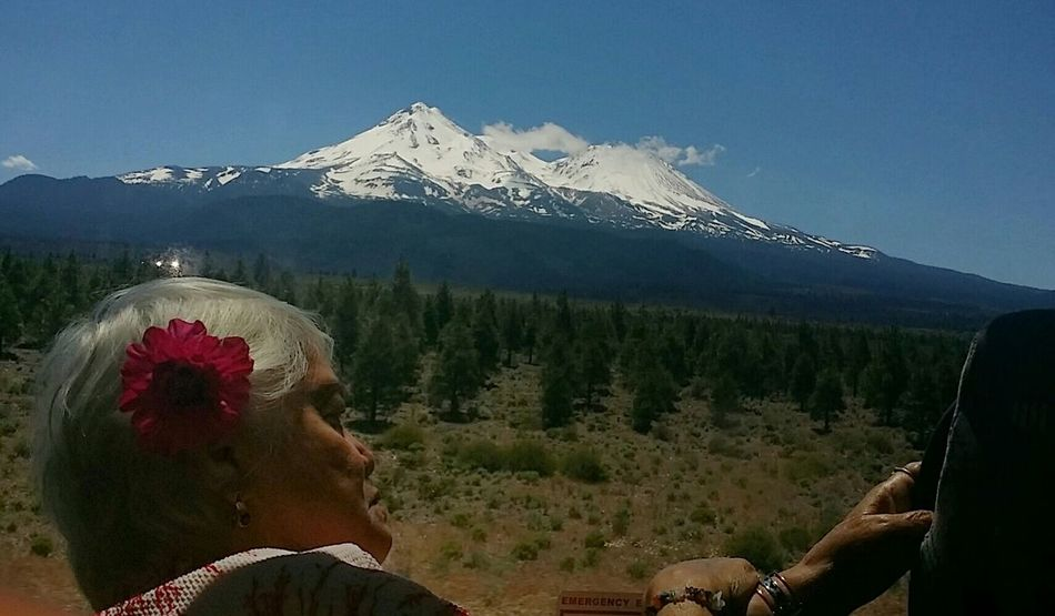 Feel The Journey Looking Through The Glass Window View Roadtrip Mount Shasta Mom Adventures Snow Covered