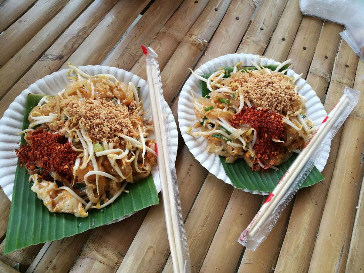 Padthai Food Bangrajan Singburi,thailand Watphokawton Maket