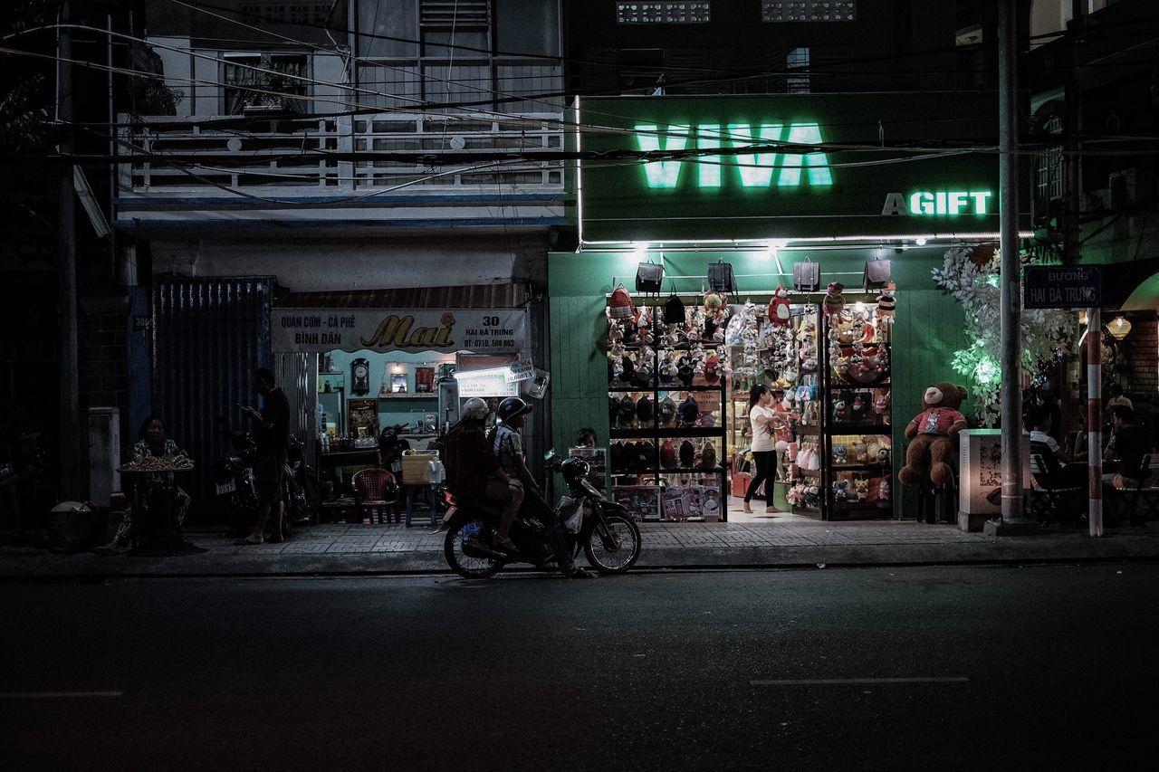The Street Photographer - 2017 EyeEm Awards Vietnam