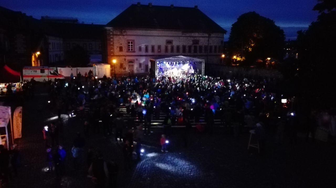 Reduit Night Large Group Of People Taschenlampe Konzert Kinder Mainz-Kastel Sky Popular Music Concert Nightlife Outdoors