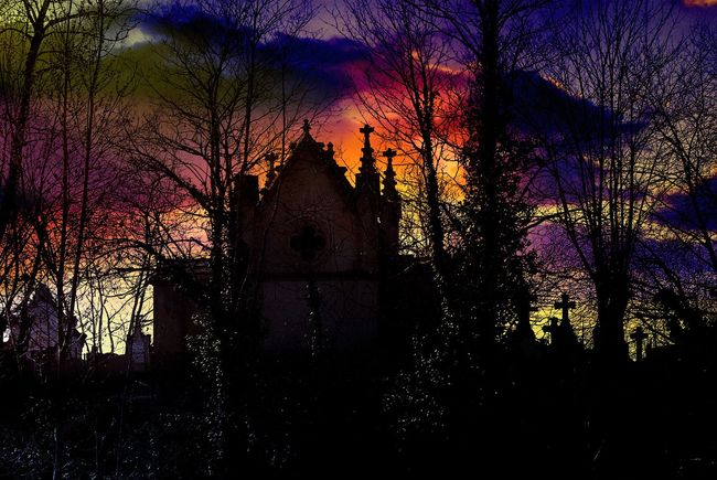 Stormy night Haunted Cemetery  Watching And Waiting.... ghostly night It's Cold Outside Winter Depression For My Friends That Connect Peace And Tranquility Goodnight ♡
