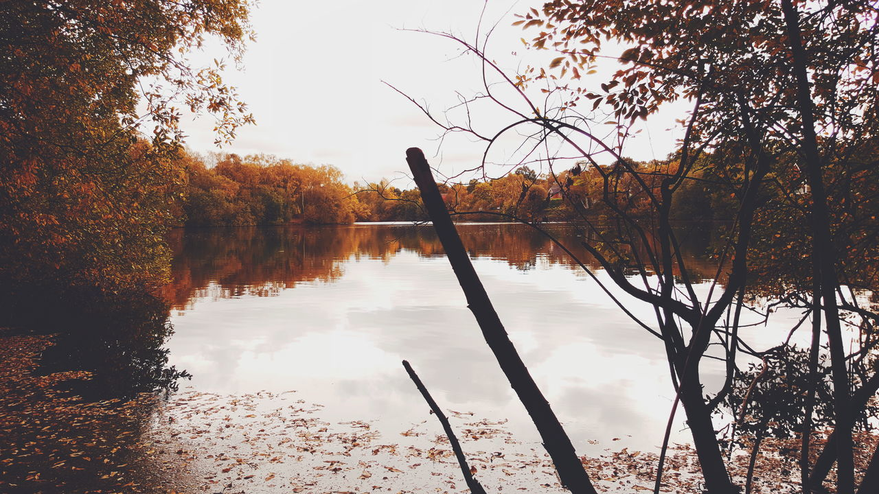 Autumn. Reflection Water Sky Lake Tree Nature Outdoors Beauty In Nature No People Tranquility Day Scenics Beautiful Tourism Travel Lincolnshire Samsung Galaxy S6 Samsungphotography VSCO Cam VSCO Autumnal Colours Autumn