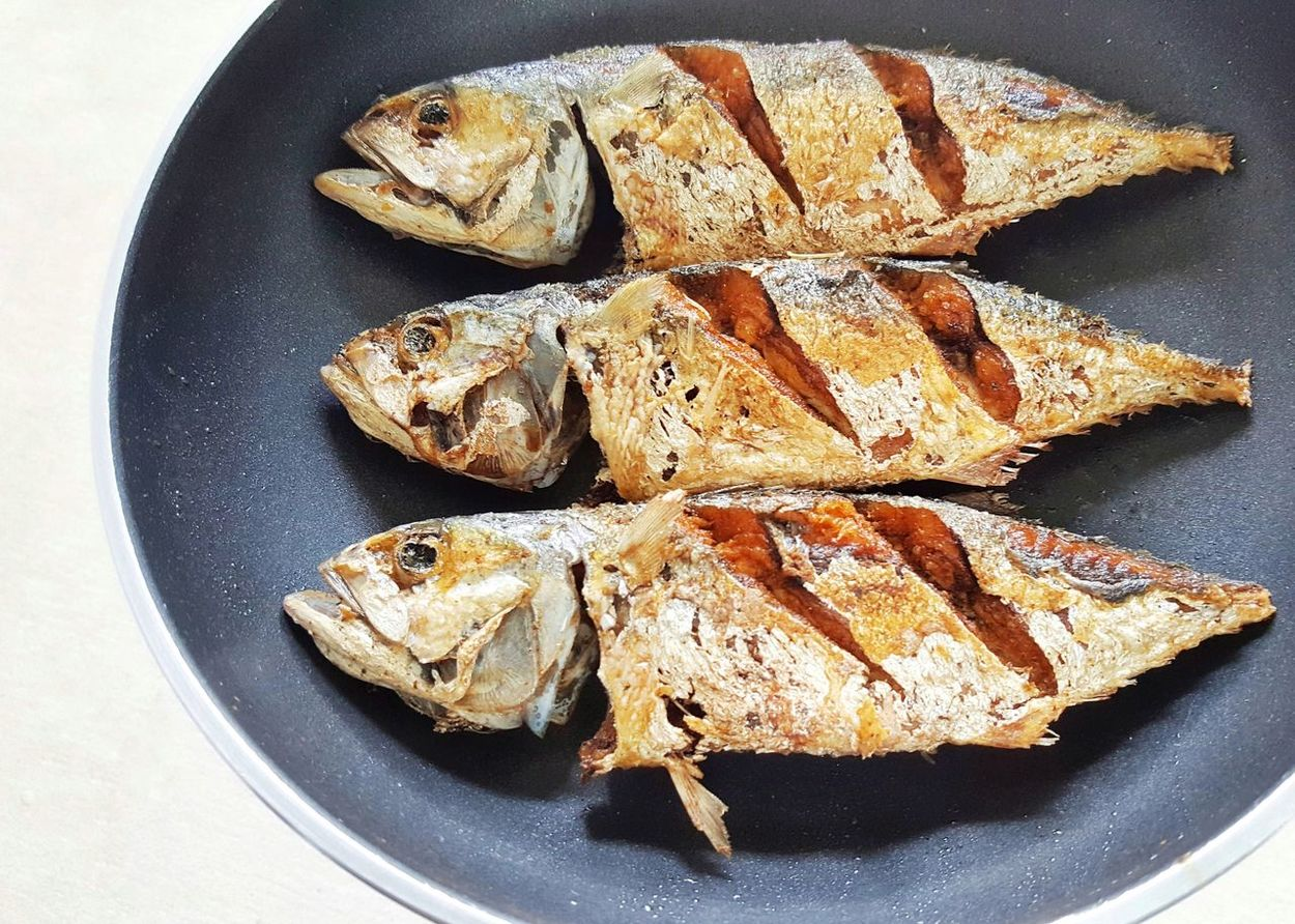 Yummy Fish Fried Food Delicious Simple Easy MEMU Homemade Plate No People Indoors  Freshness Ready-to-eat Day Close-up Healthy Eating Food And Drink High Angle View Family Meal Nutrition Taste Smellsgood Hungry Order