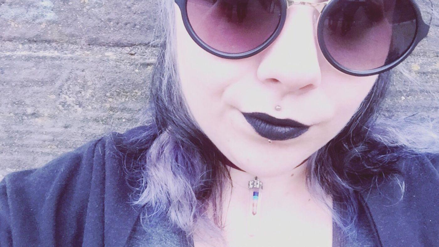 Hi! Lunette De Soleil Sunglasses Ronde Black Lipstick  Rouge à Lèvres Piercing Medusa Labretcentral