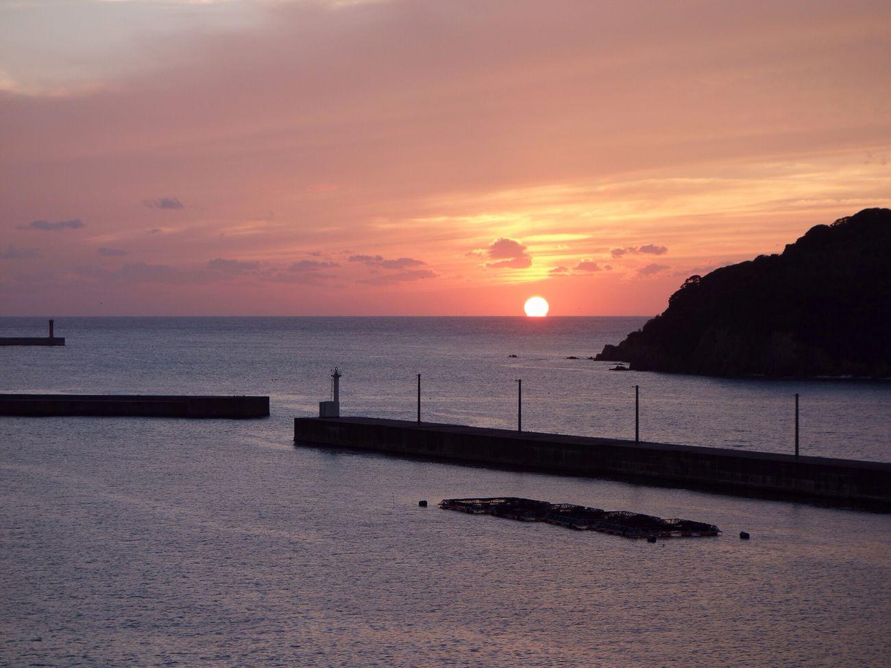 夕陽 海 空 マリン大橋
