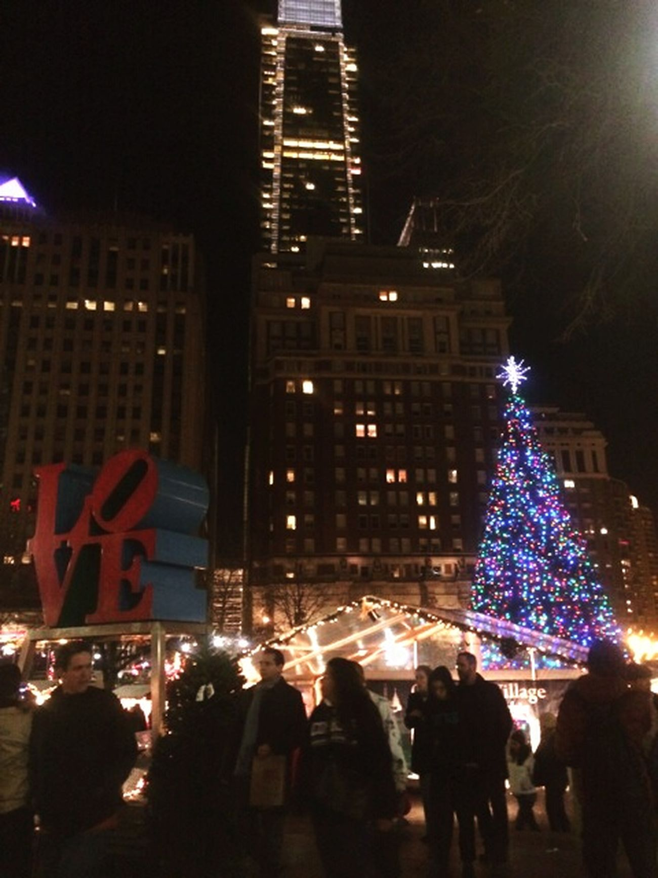 Roadtrip Philly Philadelphia Love Park Adventure Christmas