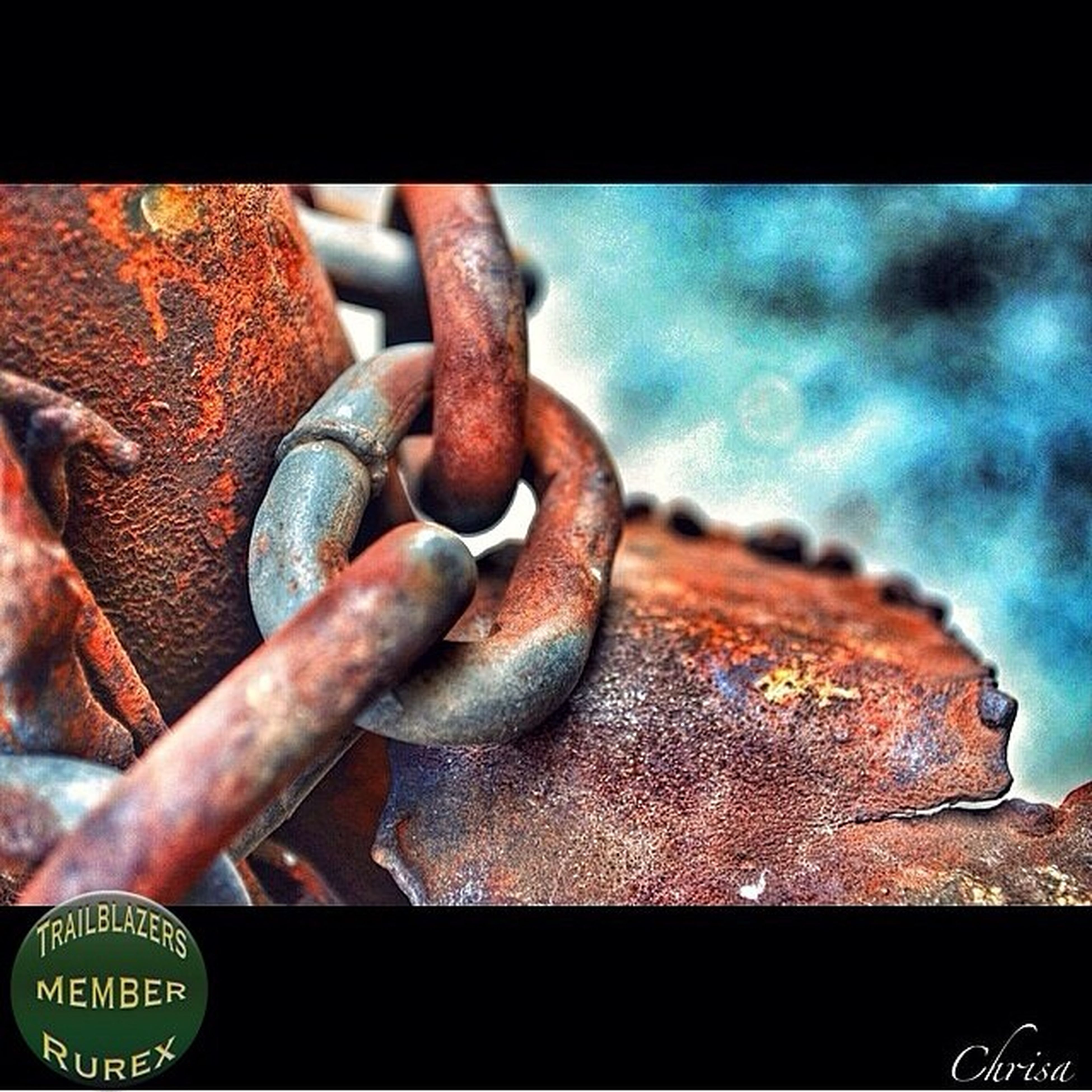 metal, rusty, close-up, metallic, focus on foreground, chain, old, padlock, part of, weathered, deterioration, connection, outdoors, strength, day, safety, protection, selective focus, detail, damaged