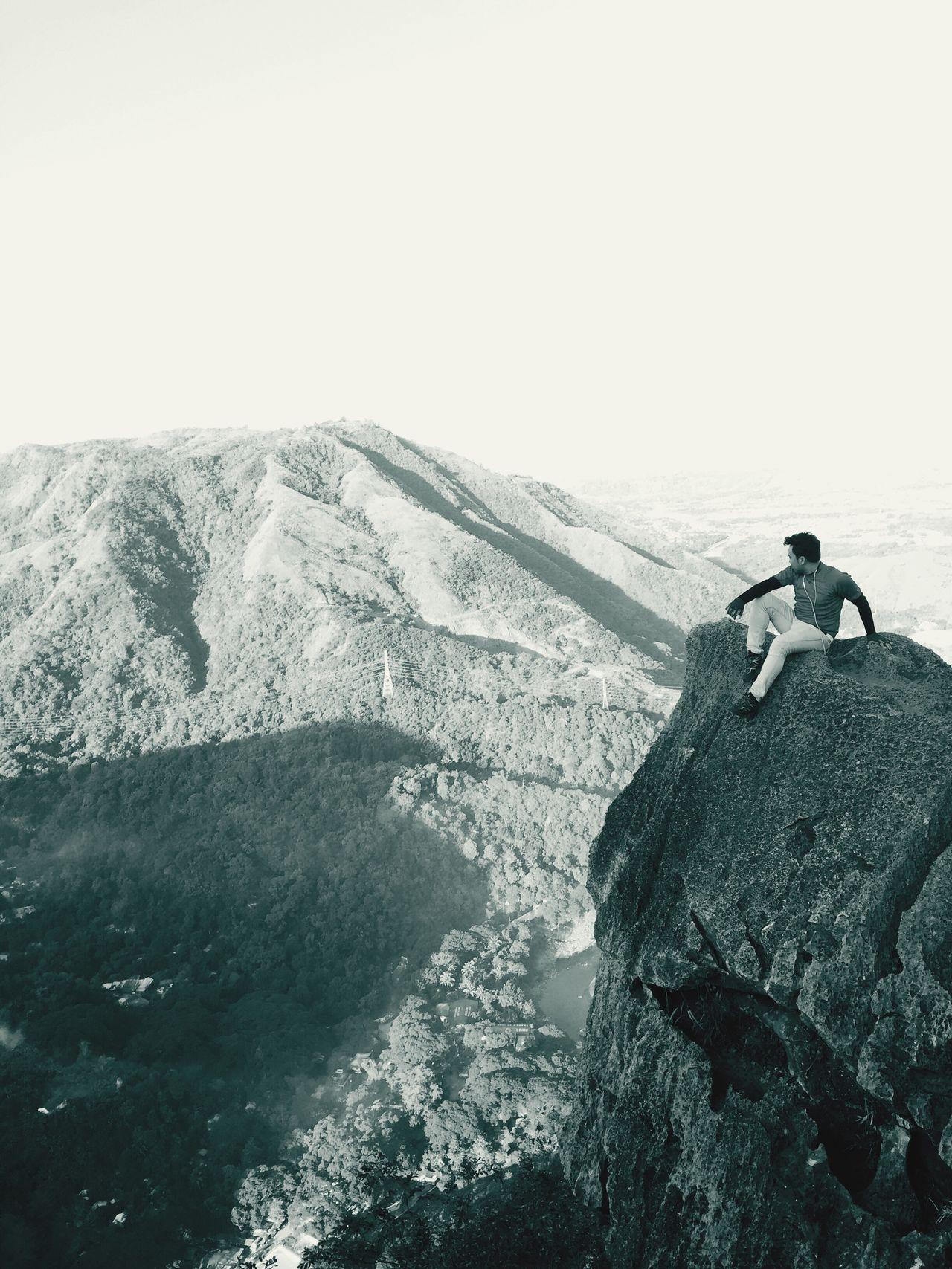 Mountaintops Alone Time Mountainrocks Rockpeak Cliff Edge
