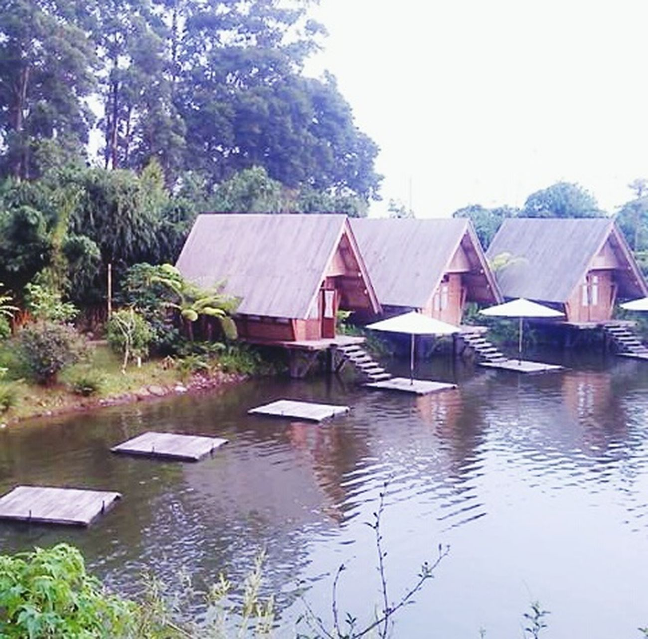 Taking Photos Check This Out Hello World Traditional House Floating House