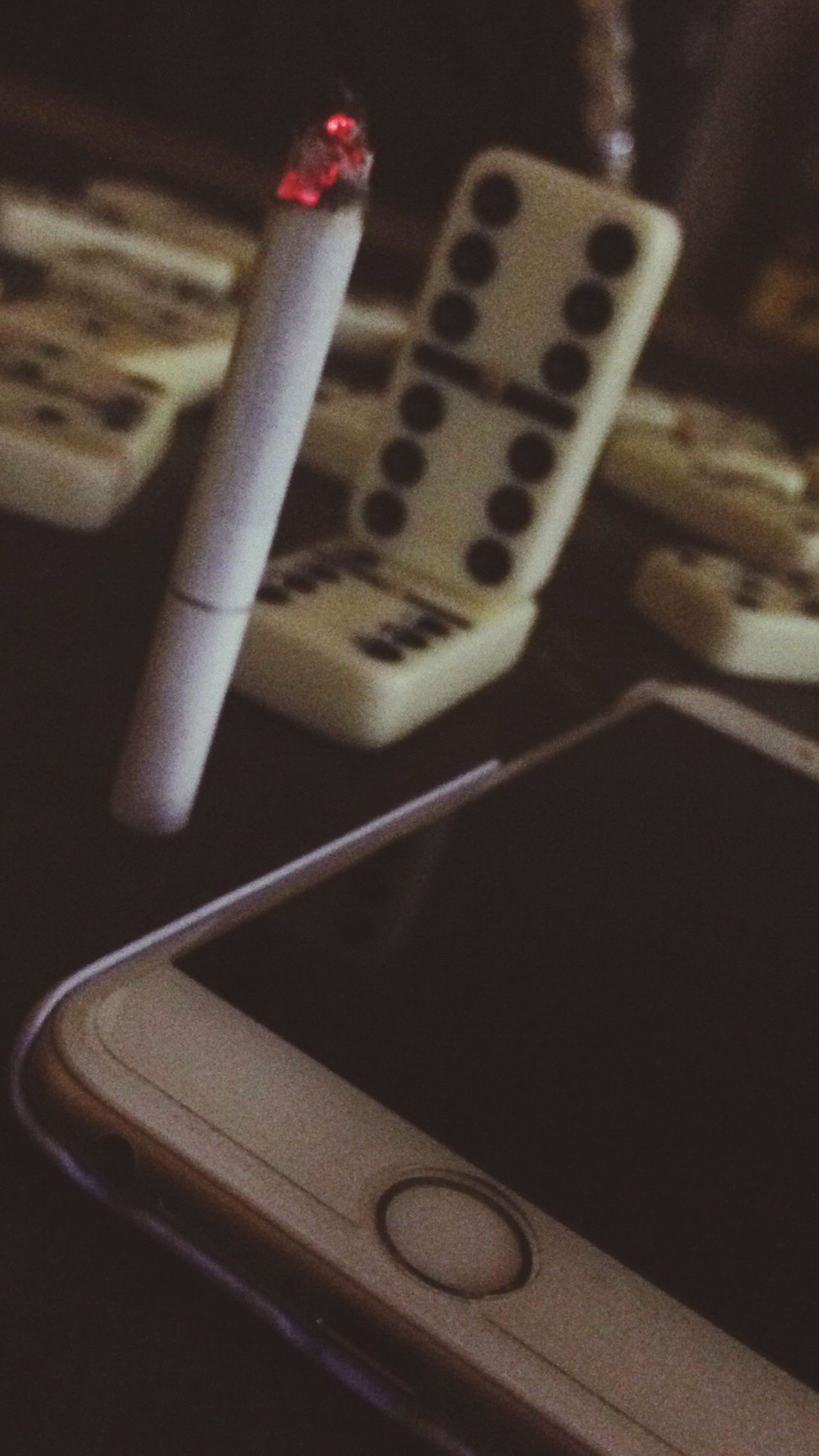Cigarette Time Indoors  Music First Eyeem Photo No People Domino Iphone6s IPhoneography Break The Mold EyeEmNewHere