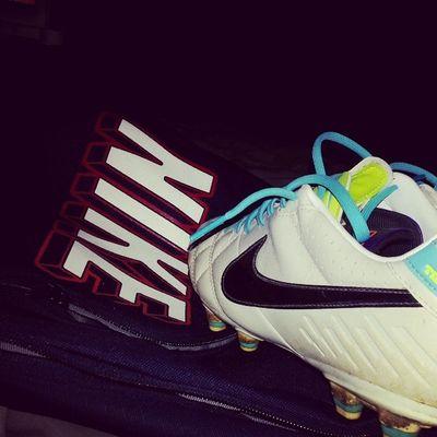 Zapatos y mochila cargados de sueños! Mañana con todo Sue ños De Infancia Futbol soccer cadetes mañana con todo