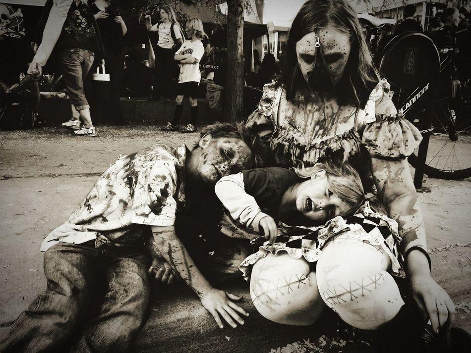 Zombie Apocalypse zombies ZombieArt Zombie