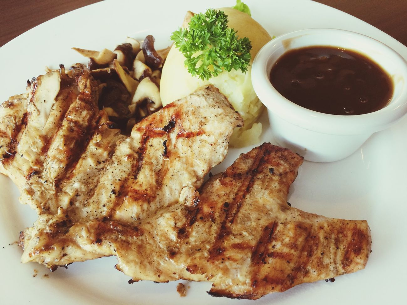 Grilled Chicken Enjoying A Meal Lunch Latepost Twelv 19Sept2015