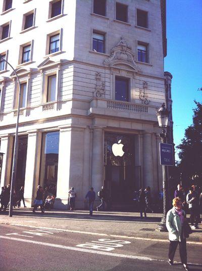 Apple store @ Barcelona Barcelona Apple Starstruck