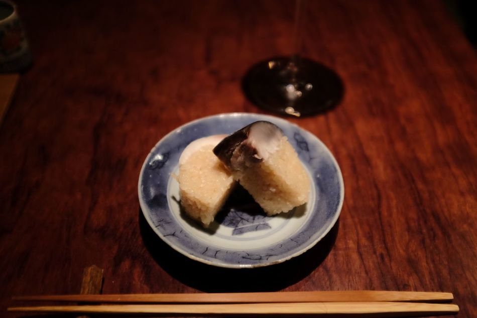 Focus Object Sushi Saba Sabazushi Table Wood - Material Food Food And Drink Plate Freshness Indoors  No People Sweet Food Close-up Ready-to-eat Day