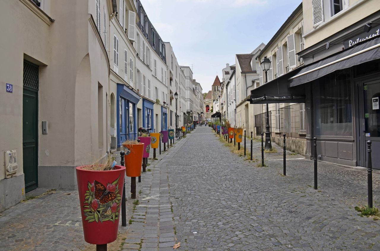 Architecture Building Exterior Day Eglise France 🇫🇷 Graffitis Outdoors Paris 20è Rue Pavée Rue St Blaise Paris Sky Street Art/Graffiti Tag
