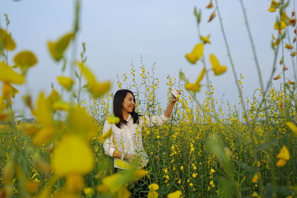 Adults Only Flower Nature One Person Portrait Serene People Springtime Yellow