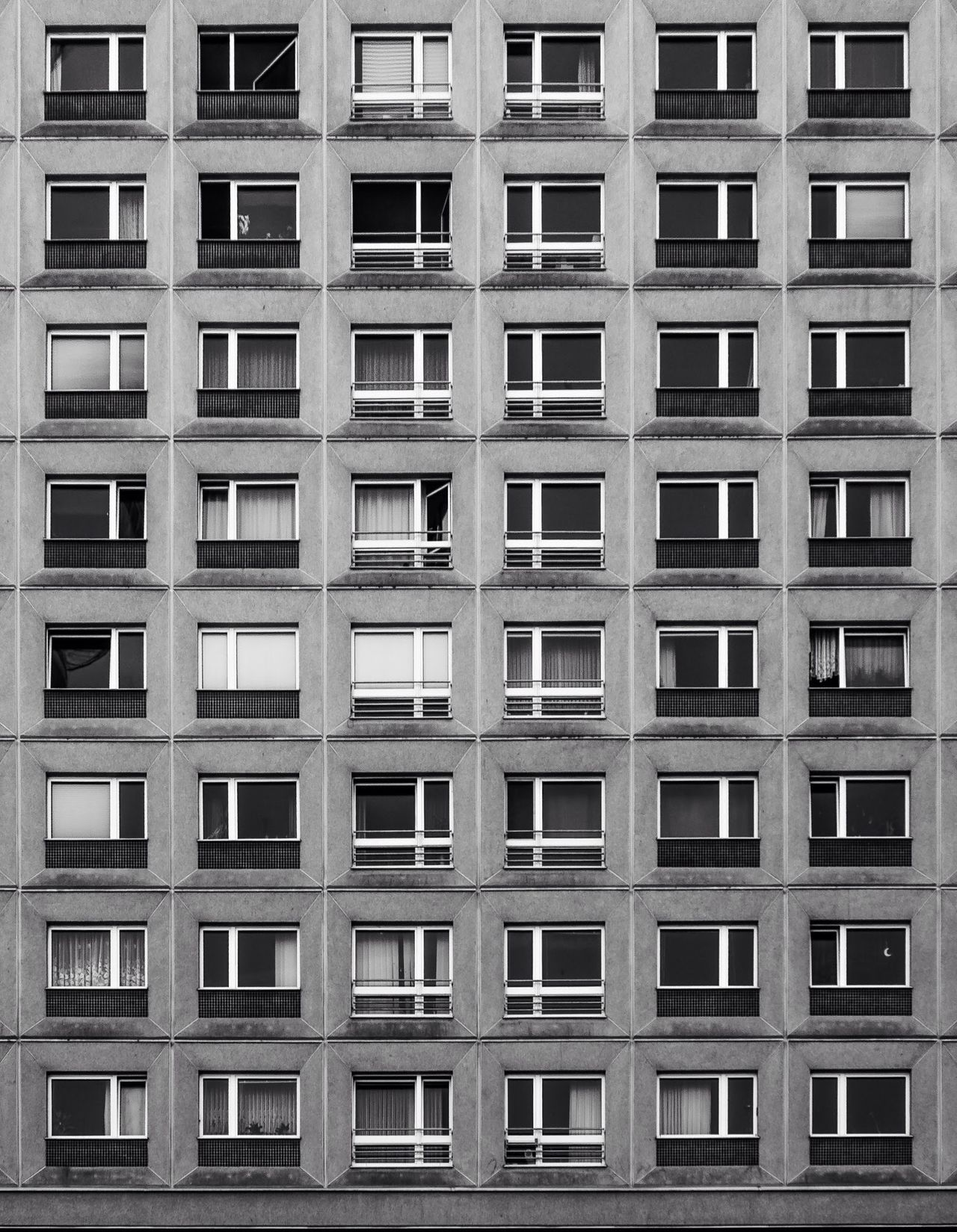 Shootermag Monochrome Urban Geometry Supernormal EyeEm Diversity