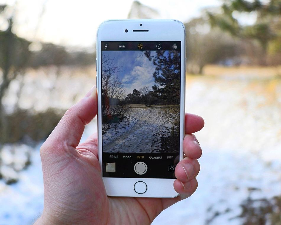 📱❄️ Austria Modling Outdoors Smart Phone Photography Themes Photographing Technology Close-up IPhoneography Iphonephotography Nature Photography Beauty In Nature Nature Day Photographer Holding Touch Screen Connection Happy Tree Snow Winter Beautiful Photooftheday IPhone